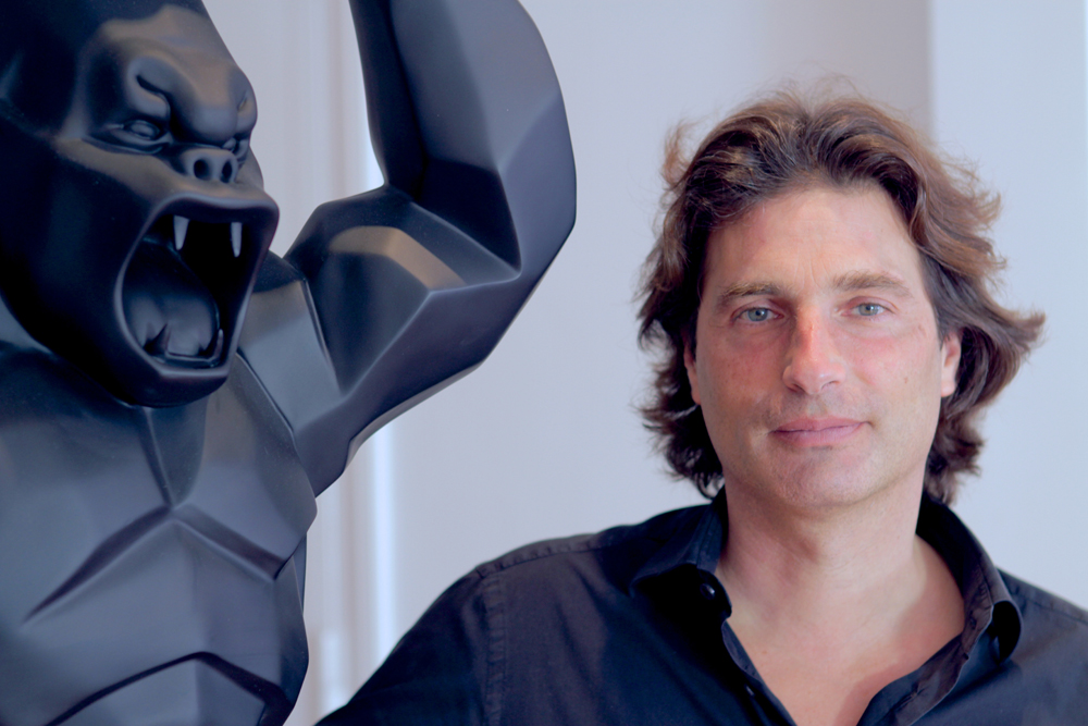 Richard Orlinski et son Kong - Portrait