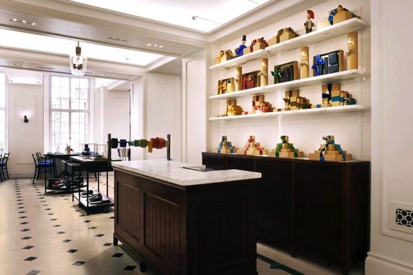 Burberry expands its Regent Street Flagship 8