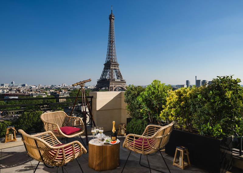 Le «Bar à Ciel Ouvert by Krug»: terrasse d'été au Shangri-La Hotel, Paris