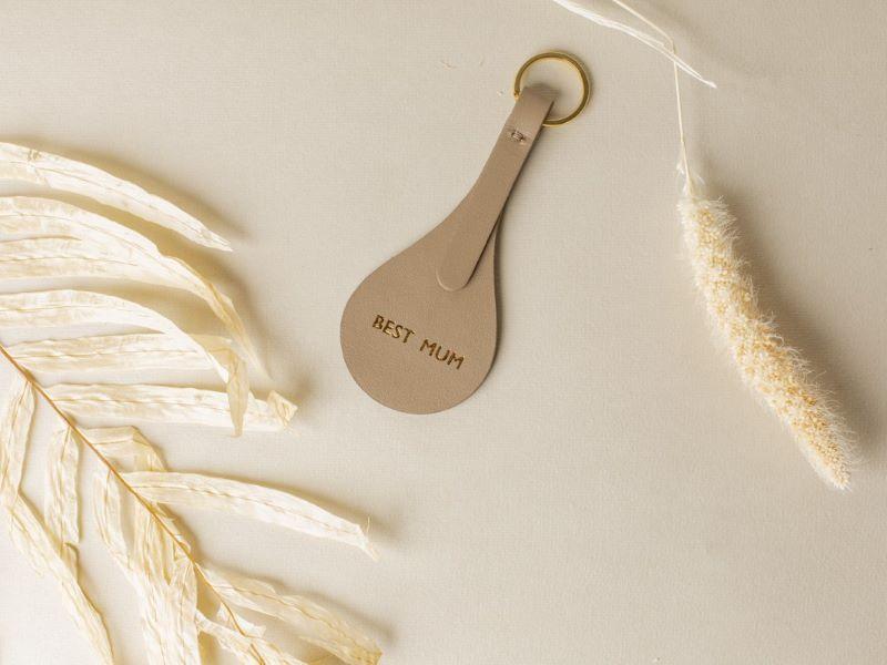 Louvreuse vous offre la personnalisation de votre cadeau de fête des mères