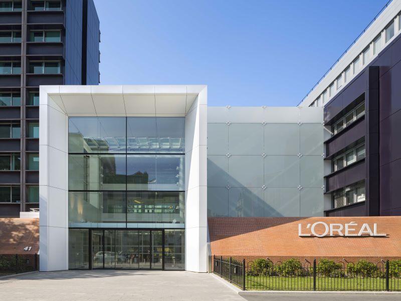 L'Oréal en négociations avec Clarins pour le rachat des marques Mugler et Azzaro
