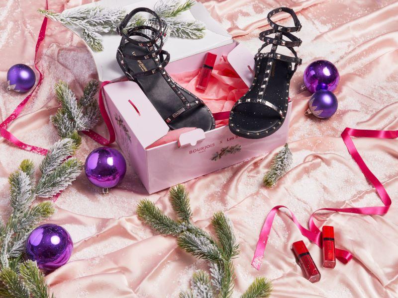Cadeau, un rouge à lèvre Bourjois dans le coffret de Noël Les Tropeziennes par M.Belarbi
