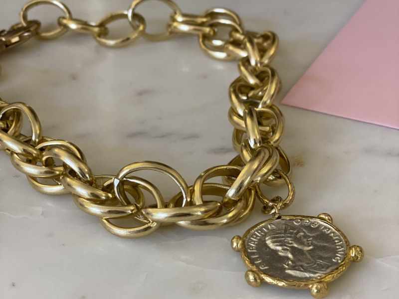 Collaboration exclusive : les bijoux Parisienne et Alors x Dear Charlotte