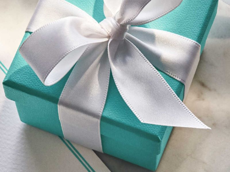 Offrir un cadeau signé Tiffany & Co. pour la Fête des Mères