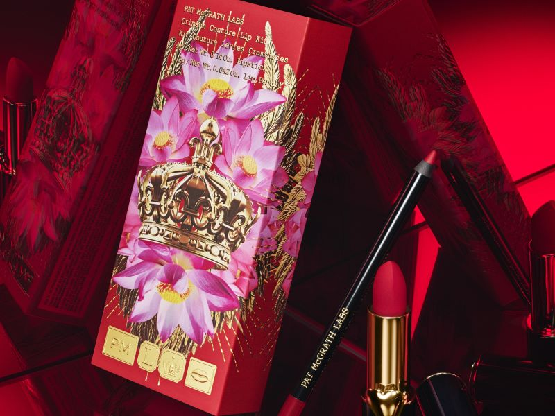 Pat McGrath Labs voit rouge avec le duo « Crimson Couture Lip Kit »