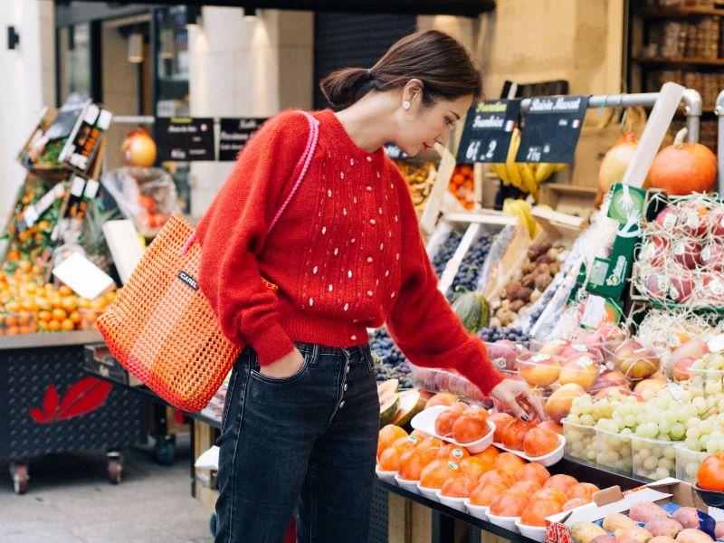 Éco-responsable, le sac «Scoubidou» 100% plastique recyclé de Carel